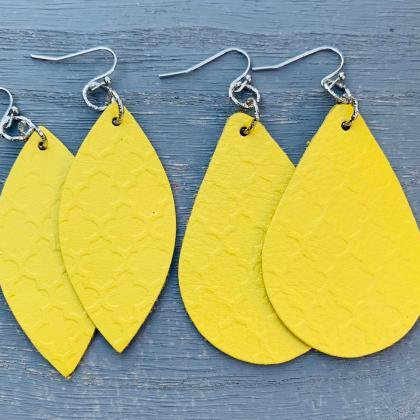Teardrop Leather Earrings | Embosse..